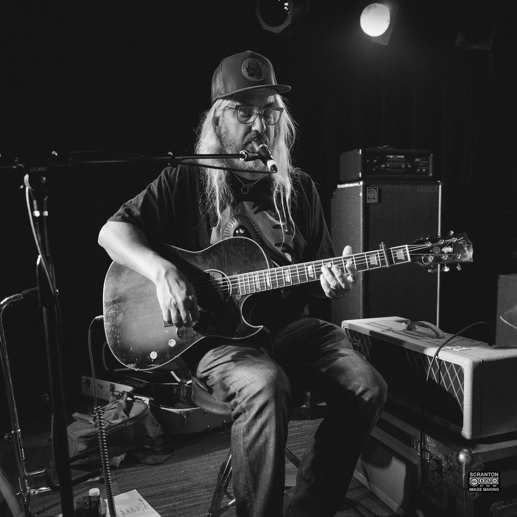 J Mascis @ The Outer Space Ballroom-15jpg_15349315131_l