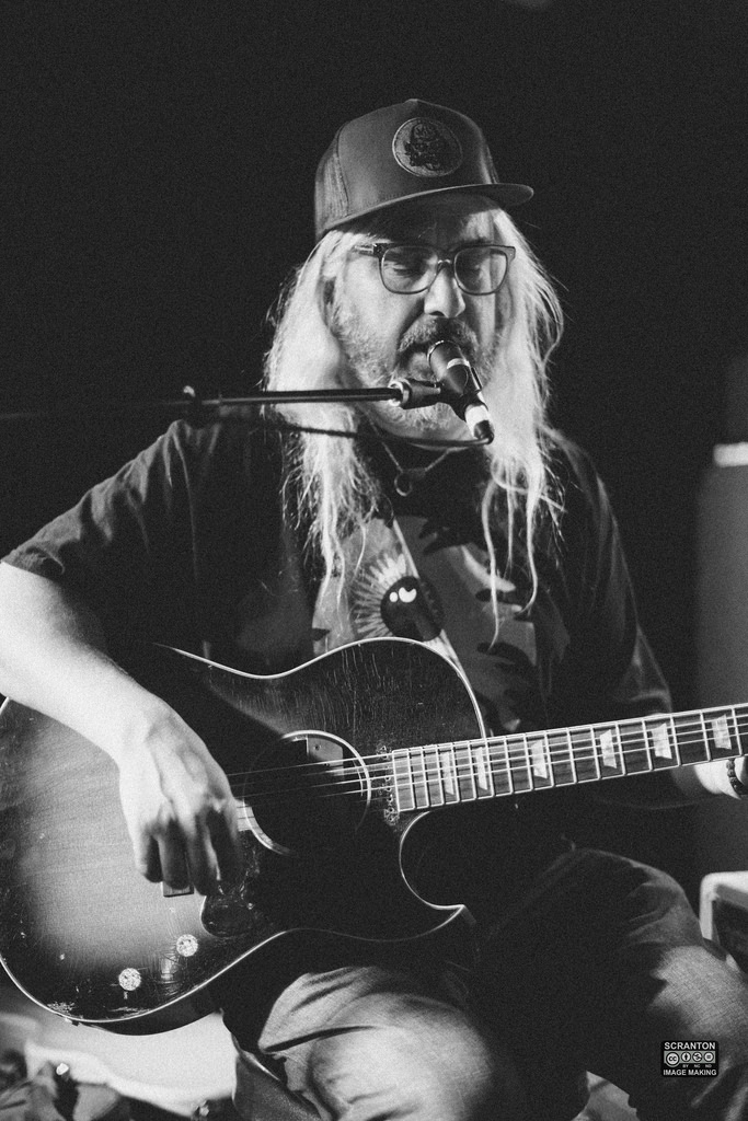 J Mascis @ The Outer Space Ballroom-6jpg_15352453355_l