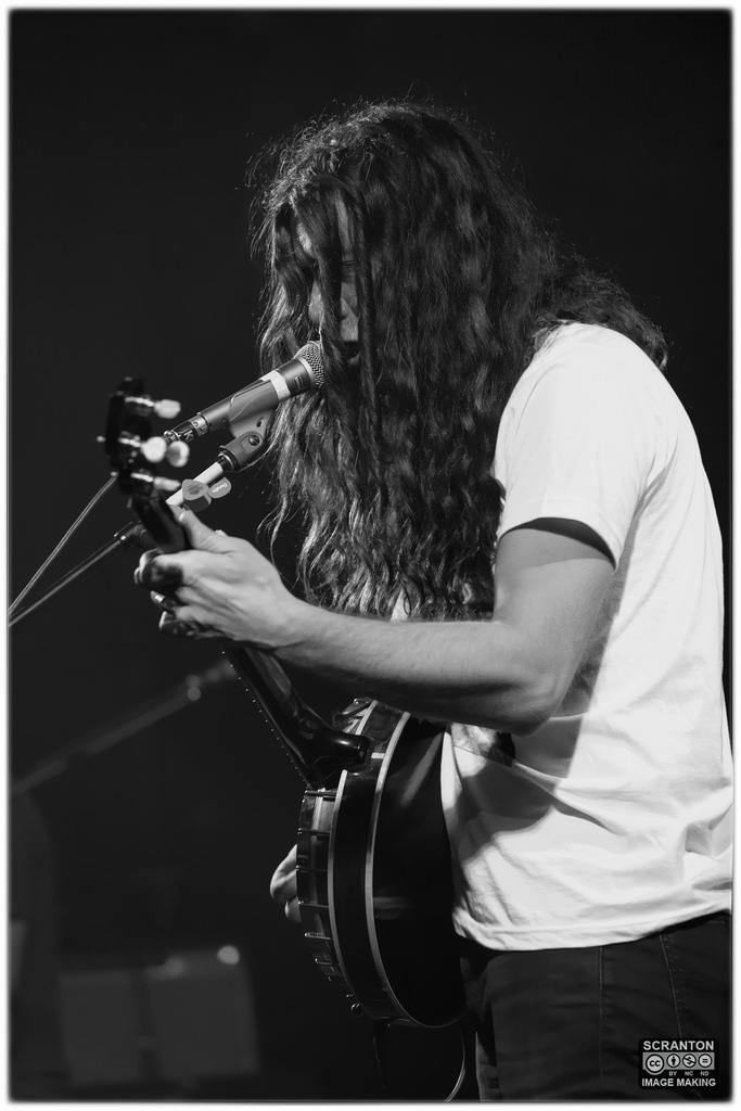 Kurt Vile @ College St Music Hall - New Haven,_25026826331_l