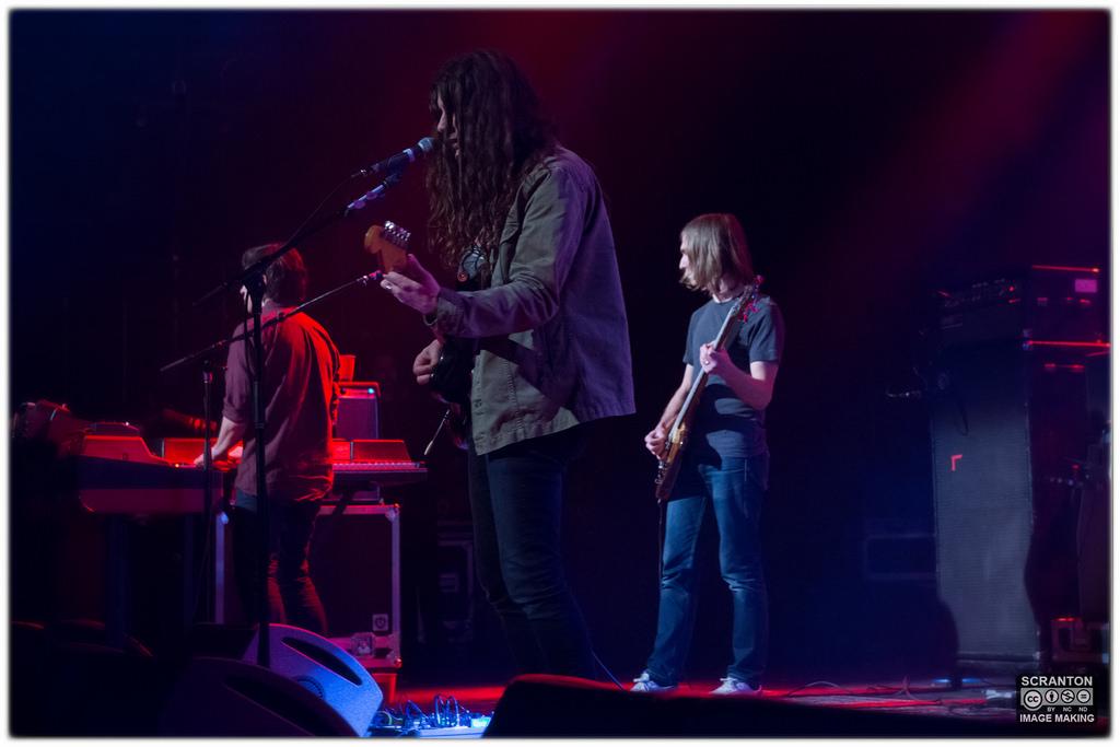 Kurt Vile @ College St Music Hall - New Haven,_25119697035_l